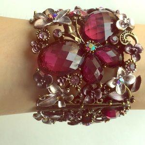 Jewelry - Unique crystal flower metal bracelet